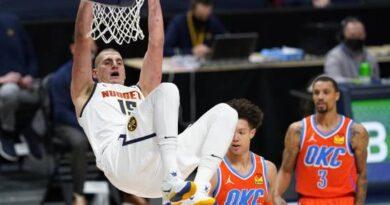 Nikola Jokic anota 27 puntos y Nuggets vencen a Thunder