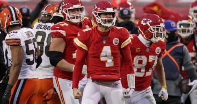 Tras perder a Patrick Mahomes, Chiefs y Henne frenan a Browns