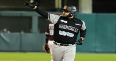 Julián de León guía a Naranjeros, que toman ventaja en la serie final del béisbol de México