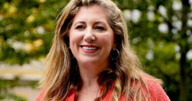 Diana Florence aspirante a fiscal de Manhattan promete justicia para todos y enfrentar violencia doméstica