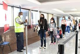 AHI: Falta de PCR deja en tierra a 190 viajeros de RD con destino España