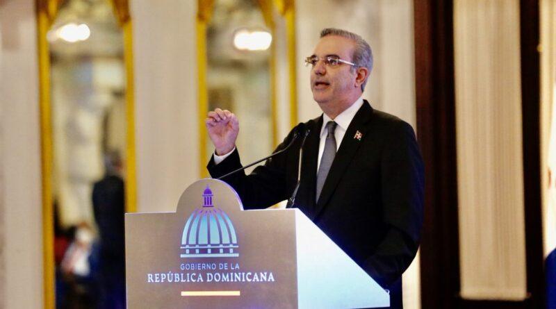 """Comisión de Derechos Humanos exhorta a Abinader a cumplir su """"promesa de campaña"""" sobre el aborto"""