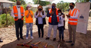 Gabinete Social y Jompéame construirán casa para niño que vivía en un árbol en Azua