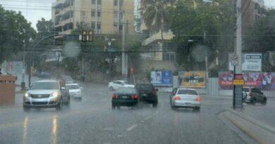 Onamet advierte de aguaceros con rafagas de viento sobre algunas regiones este martes