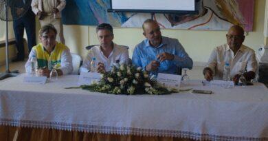 Ulises Rodríguez se reúne con Industriales del tabaco en Tamboril y los exhorta a sacar su registro y su calificación en Proindustria
