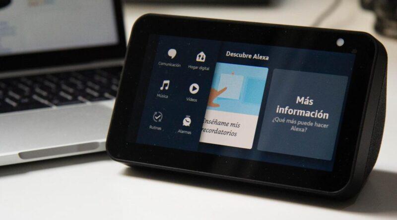 Amazon estaría trabajando en una pantalla de 13 pulgadas a modo de centro de control de la Smart Home