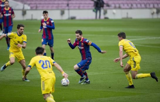 El Barcelona empata con Cádiz en partido récord 506 de Messi