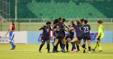 RD y PR empatan en partido amistoso de fútbol; ministra de la Mujer hizo saque de honor