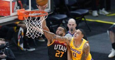 Gobert y Clarkson lideran al Jazz en victoria sobre los Lakers
