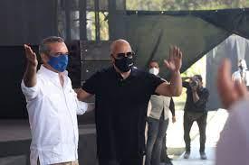 Abinader y Vin Diesel firman acuerdo para construir estudio de cine en RD