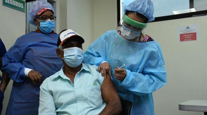 Anuncia cambios de centros de vacunación para segunda dosis