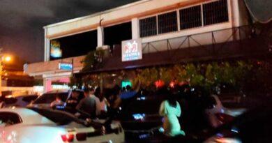Relajan las medidas contra el COVID-19 en bares del Distrito Nacional