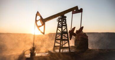 El petróleo sube un 4,7%, hasta máximo desde enero de 2020, a la espera de la decisión de la OPEP