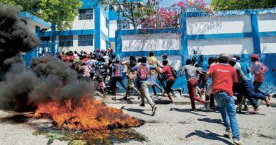 Exigen renuncia director Policía en Haití