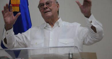 Hipólito Mejía pondera legado de José Francisco Peña Gómez en la Democracia Dominicana