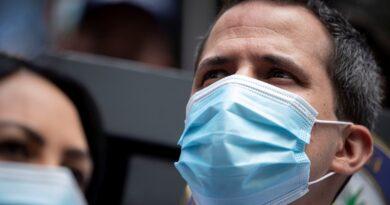 Juan Guaidó informó que tiene coronavirus