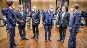 Los principales políticos se defienden tras las críticas de Merkel