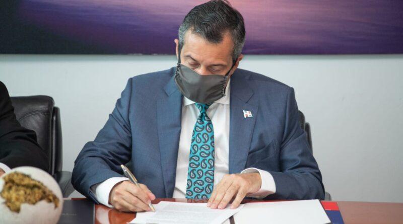 Ministro de Medio Ambiente afirma que el agua es la prioridad de su administración