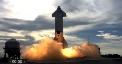 SpaceX: el prototipo de la nave de Marte explota después del primer aterrizaje intacto