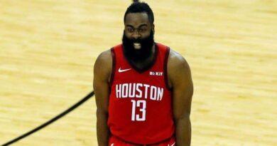 El dueño de Rockets dice retirarán la camiseta de James Harden