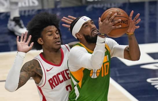 Rockets caen ante Jazz y sufren 15ta derrota al hilo