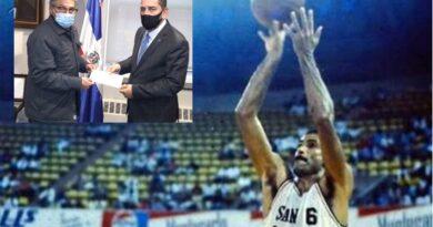Dominicanos en consulado tributaron minuto de silencio en memoria del basquetbolista Hugo Cabrera