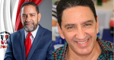 Ministro de Administración Pública felicita al cónsul en NY por renuncia de hermano
