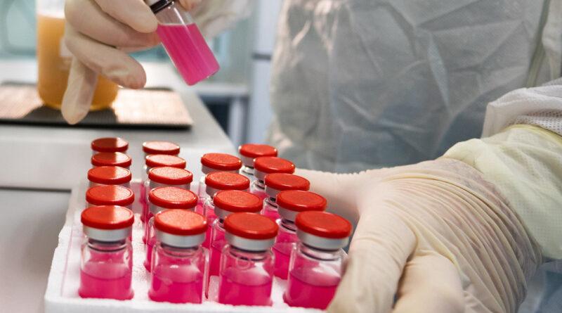 Rusia registra COVID-globulín, un fármaco a base de plasma sanguíneo de pacientes que han superado el coronavirus