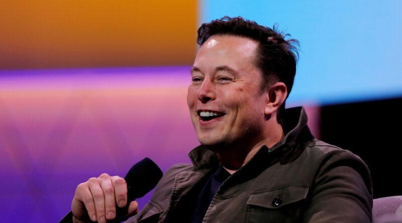 Elon Musk trolea a Jeff Bezos tras la protesta de Blue Origin por un contrato espacial multimillonario adjudicado a SpaceX