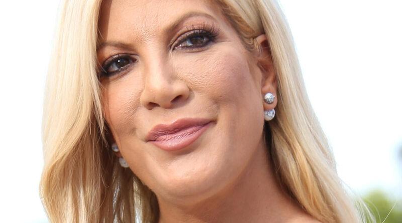 """¿6ta vez embarazada? La estrella de """"Beverly Hills 90210"""" Tori Spelling hace una declaración clara"""