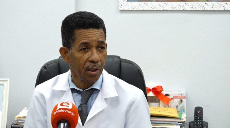 Infectologo advierte sobre nueva ola de contagios de Covid-19 luego de la Semana Santa
