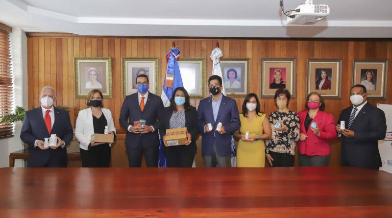 """CONANI firma acuerdo con """"Sanar una Nación"""" para contribuir al desarrollo integral de niños, niñas y adolescentes acogidos en sus Hogares de Paso"""