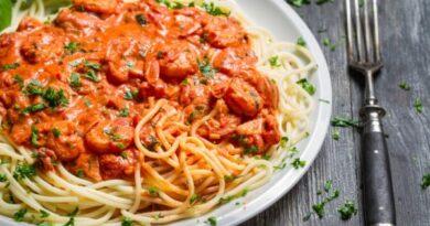 Receta de Espaguetis con camarones y crema