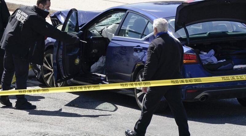 El hombre embiste con el coche contra 2 policías del Capitolio; 1 oficial, conductor muerto