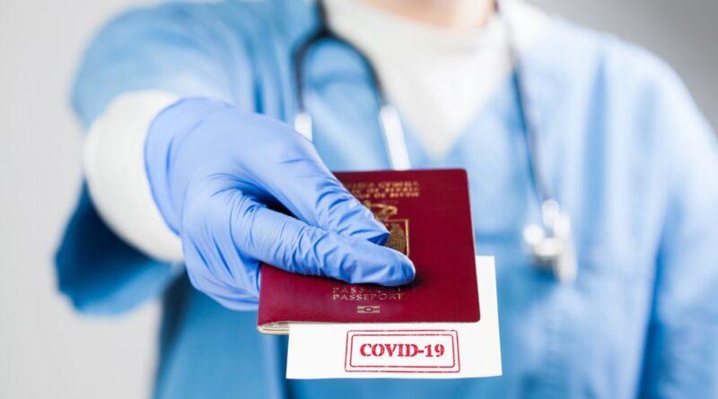 """La OMS se pronunció en contra de los pasaportes de inmunidad: """"pueden exacerbar desigualdades y promover una libertad diferenciada"""""""