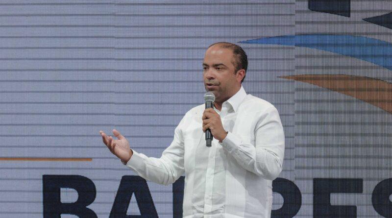 """Banreservas anuncia financiará proyecto """"Mi Vivienda"""" a tasa fija de 8% por seis años"""