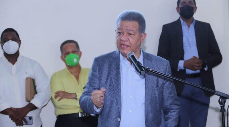 Leonel pide desde Fuerza del Pueblo que el gobierno se una a voces contra monopolio en producción de vacunas