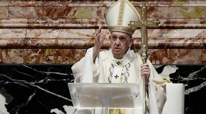 En la Misa de Pascua, el papa Francisco pidió que se superen los retrasos en la distribución de las vacunas y se compartan con los países pobres