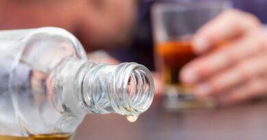 Legisladores coinciden debe endurecerse castigo contra quienes fabrican y comercializan bebidas adulteradas
