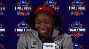 Lo que dijo Adia Barnes después de que Arizona venciera a UConn para avanzar al juego de campeonato nacional