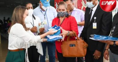 MITUR entrega 100 mil kits de apoyo de seguridad sanitaria a directores regionales para ser distribuidos en los polos turísticos