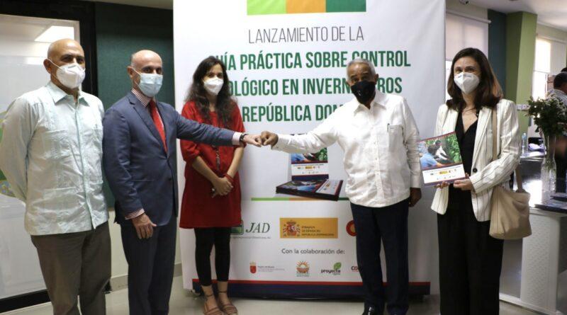 Ponen en circulación Guía de Control Biológico de Plagas en Invernaderos de República Dominicana