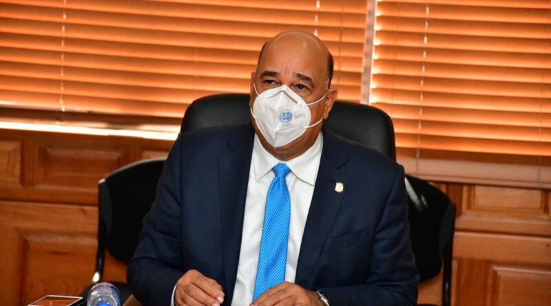 Senador Bauta Rojas rechaza decisión de las autoridades de salud de autorizar sólo una prueba PCR al año
