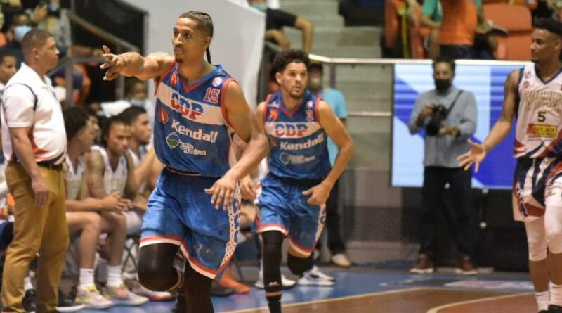 El CDP dio paliza a Pueblo Nuevo en apertura semifinal B del baloncesto de Santiago