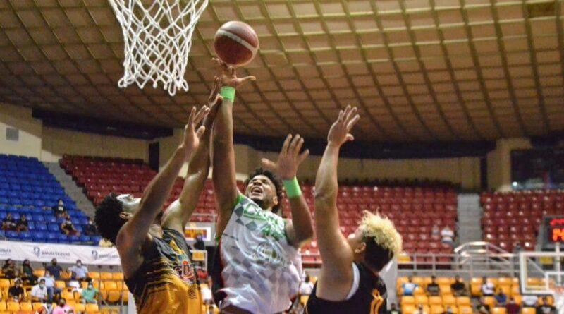 Club Cupes aplasta al GUG en inicio de la semifinal baloncesto de Santiago