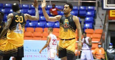 El GUG vuelve al sendero de la victoria en Baloncesto Superior de Santiago