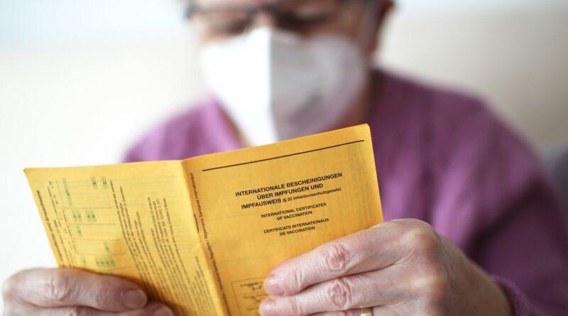 Vacuna corona: ahora las personas de 60 años o más reciben citas