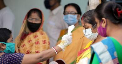 """""""Está poniendo a prueba nuestra paciencia"""": el primer ministro de la India alerta de una """"tormenta"""" de contagios por covid-19"""