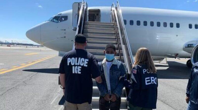 Deportan dominicano buscado en RD por homicidio, atracos a mano armada, intento de asesinato y tenencia ilegal de armas