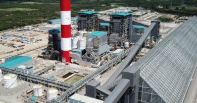 Energía y Minas asegura Punta Catalina opera normal y con bajas emisiones